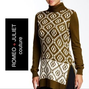 EUC Romeo & Juliet Couture Tribal Print Turtleneck